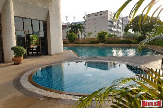 Tower Park Condo  | Spacious and Modern Four Bedroom Condo with Two Balconies in Nana, Bangkok