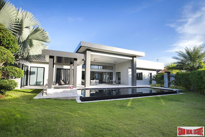 Exceptional Luxury Pool Villa Next to Black Mountain Golf Course in Hua Hin