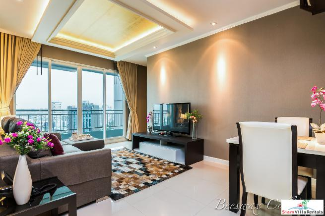High Quality 1 Bed Condo for Rent with City Views on the 25th Floor of Circle Condominium