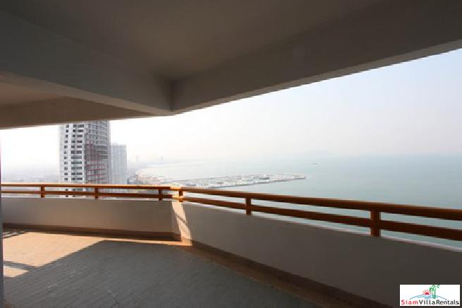 Beachfront Condo in Jomtien pattaya