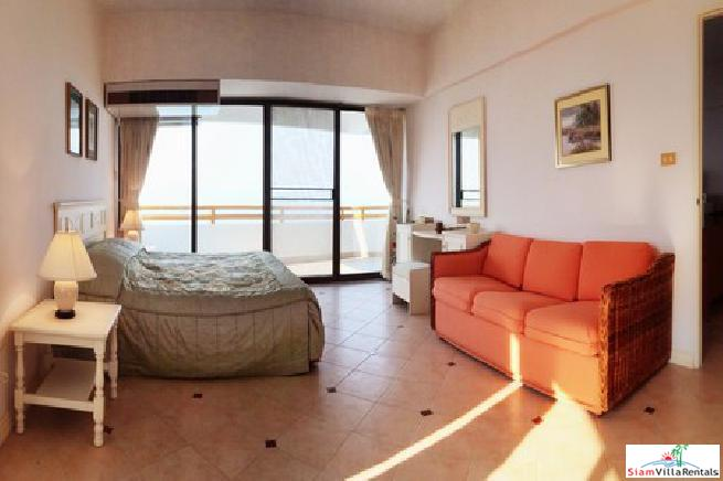 Beachfront Condo in Jomtien pattaya 3