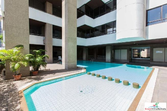 Renovated 3 Beds 164sqm Asoke Towers Condo