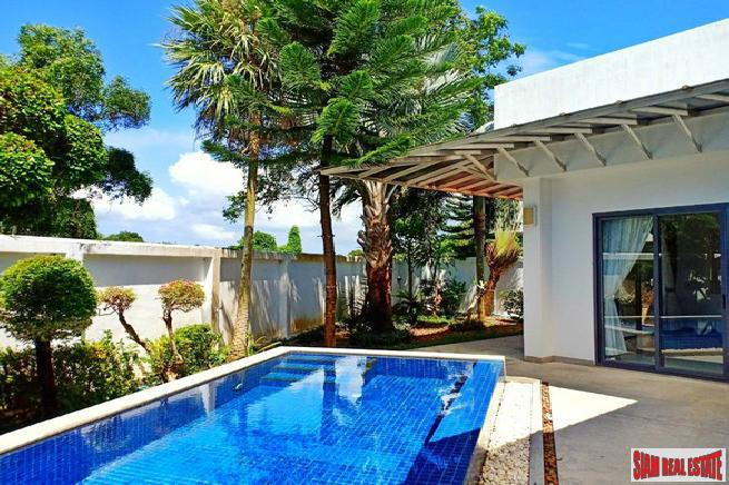 Private Corner House with Swimming Pool and Garden in Layan