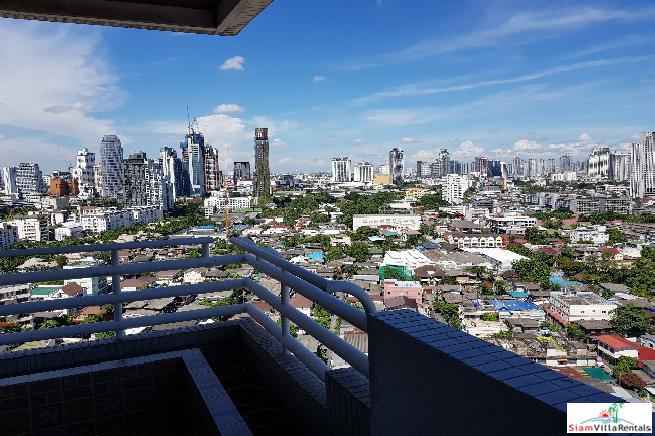 Top Floor Four Bed Corner Apartment with Fantastic City Views on Sukhumvit 26