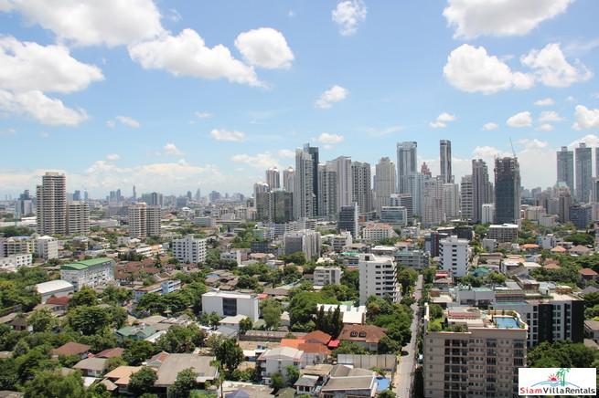 Fantastic City Views from this One Bedroom Condo on Sukhumvit 36