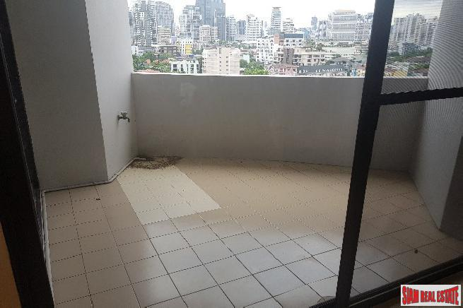 Spacious Three Bedroom Corner Unit 11