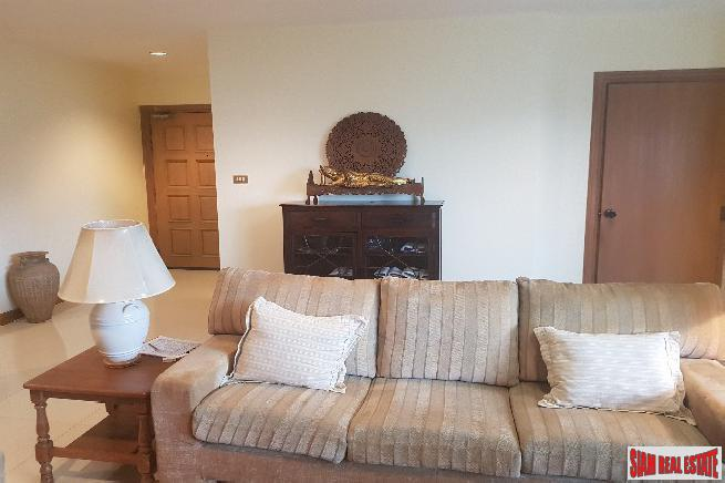 Spacious Three Bedroom Corner Unit 16