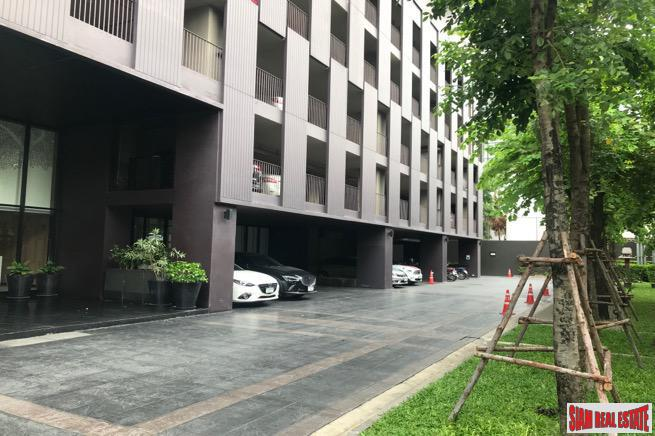 Corner Unit with Two Bedrooms and Pet Friendly  on Sukhumvit 63