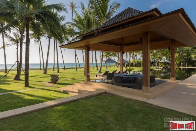 Spectacular Private Beach Front Villa 8