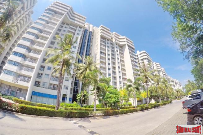 Large 3 Bed Duplex Penthouse Condo with Terrace at Thana City, Bang Na
