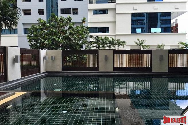 Large One Bedroom Top Floor Condo on Sukhumvit 59