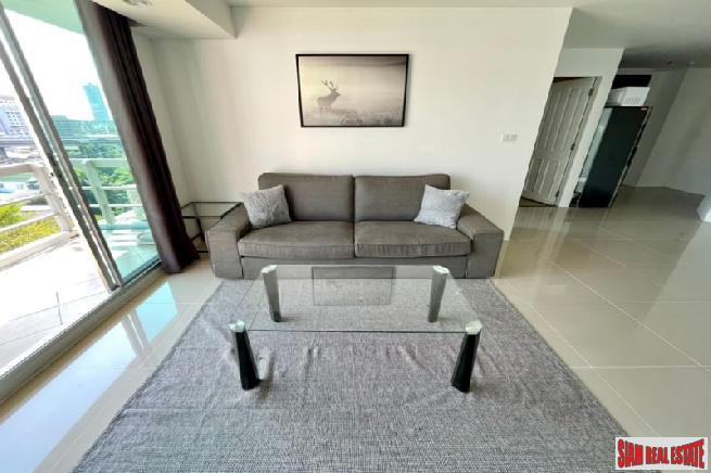 Bright and Contemporary Two Bedroom 4