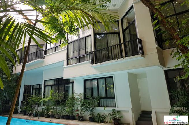 Private Four Bedroom Duplex with Tropical Pool Views on Thong lor. Pets-Friendly.