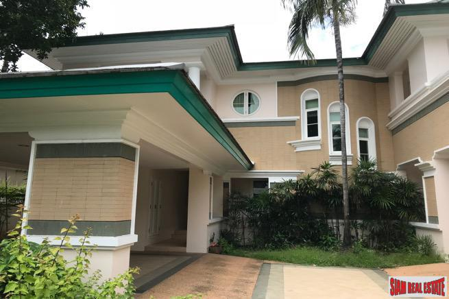 Ladawan Village Chaloem Prakiat Rama9 |Beautiful and Well Maintained Two Storey, Five Bath House in Prawet