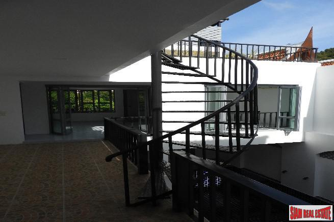 Beautiful and Peaceful Three Storey 13