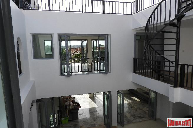 Beautiful and Peaceful Three Storey 18