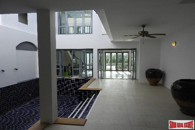 Beautiful and Peaceful Three Storey 30