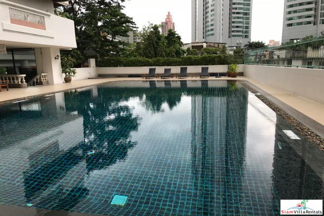 City Views from this Extra Large Four Bedroom Condo on Sukhumvit 18