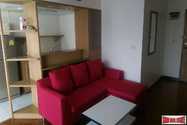 Brightly Furnished 1 Bed Unit 4