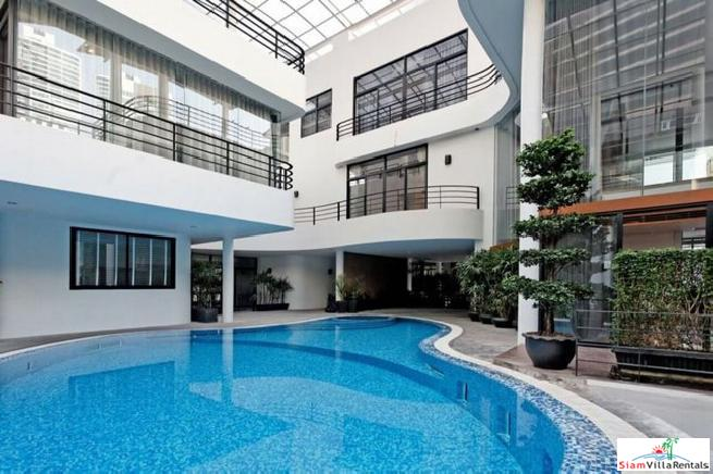 Centrally located Three Bedroom House for Rent in the Phrom Phong Area of Bangkok