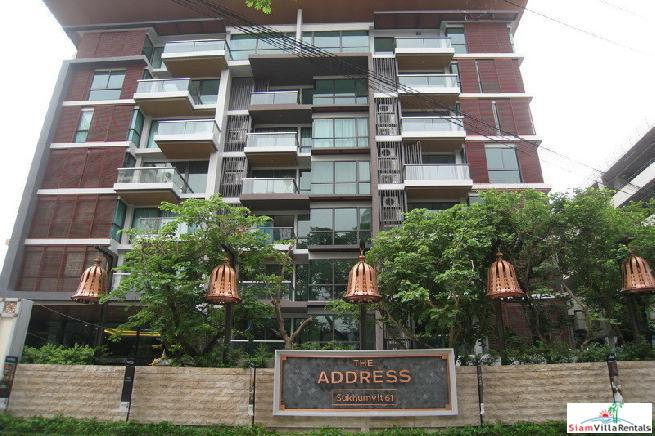 Large 1 Bed Condo at Luxury Low-Rise Condo close to BTS Ekkamai