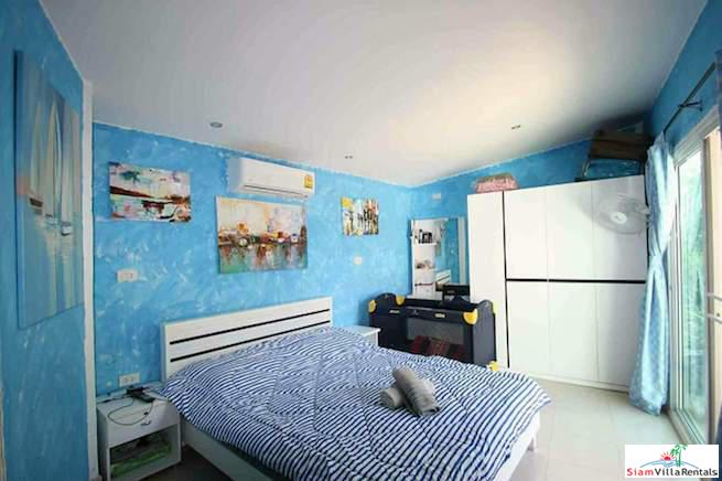 Bright and Cheerful Three Bedroom 16