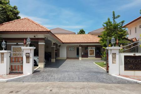 Luxury Spacious Home for Sale 4