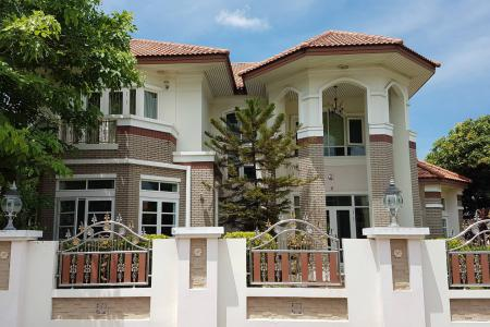 Luxury Spacious Home for Sale 5