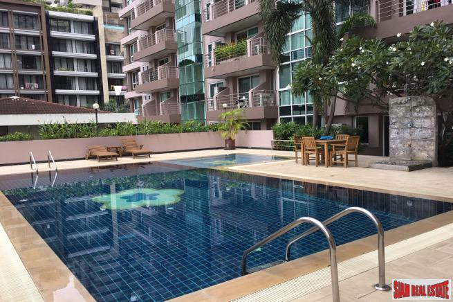 Two Bedroom Low Rise Condo Near Shopping and the Park in Phrom Phong