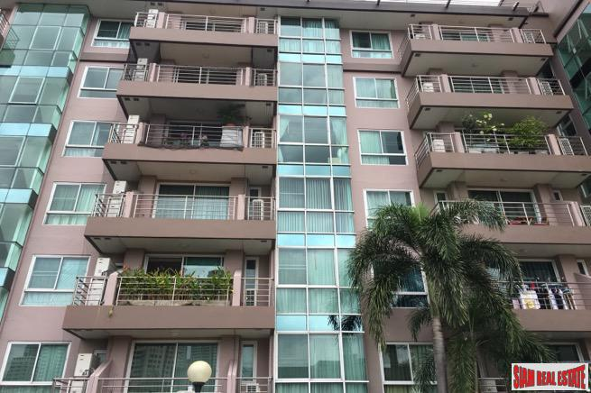 Two Bedroom Low Rise Condo 14