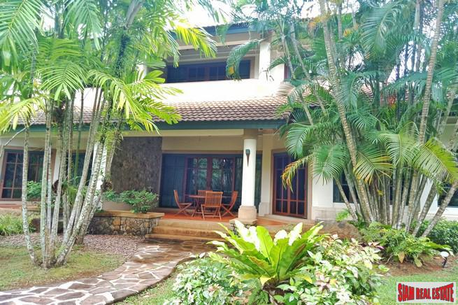 Tropical Three Bedroom Town Home 2