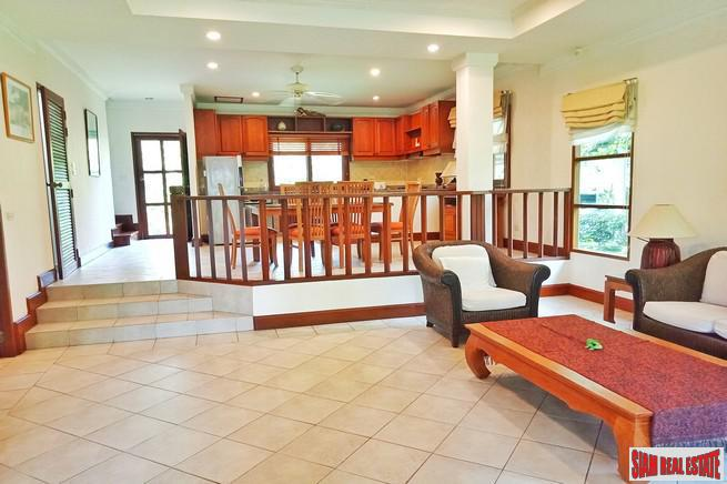 Tropical Three Bedroom Town Home 5