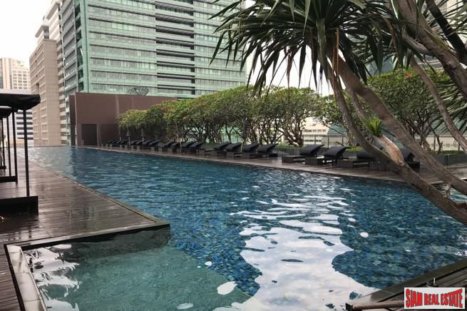 Elegant and Modern Two Bedroom Condo within Walking Distance to BTS Chong Nonsi
