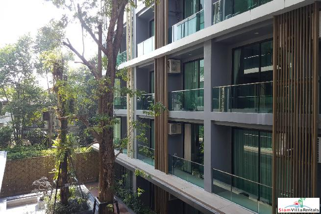 Large Modern Superior One Bedroom Close to the City in Suthep