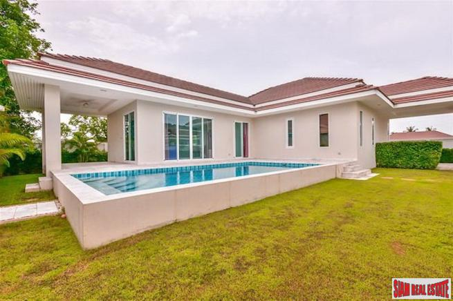 Large Well Maintained Pool Villa with Landscaped Yards in Hua Hin