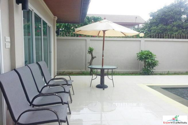 Large Comfortable Two Bedroom Pool 2