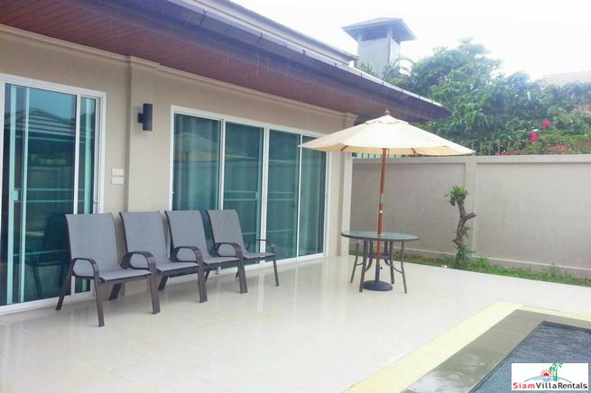 Large Comfortable Two Bedroom Pool 3