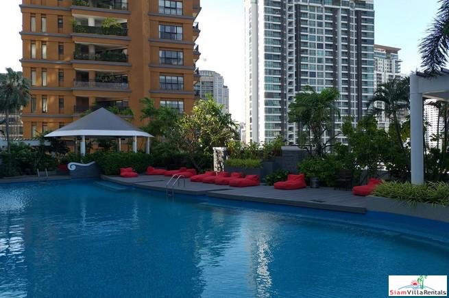 Bright and Open Two Bedroom Condo for Rent near BTS Phrom Phong