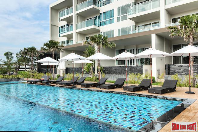 One Bedroom Condo with Endless Sea Views in Jomtien