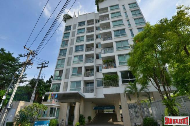 49 Plus 2 | Spacious Top Floor One Bedroom Condo with City Views in Thong Lo