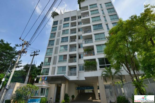 Spacious One Bedroom Top Floor Condo with City Views in Thong Lo