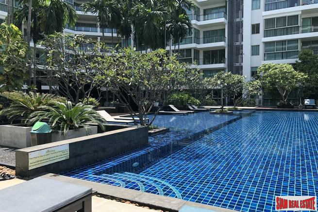 One Bedroom Condo Walk to Beautiful Beach in North Pattaya