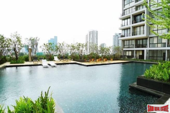 Spacious One Bedroom with Large Balcony in Lat Phrao