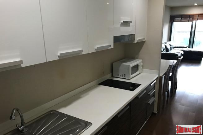 Spacious Two Bedroom within Walking 3