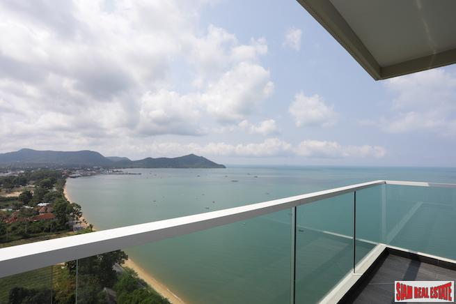 Sunny Two Bedroom Condo with Sea Views from the 20th Floor in South Pattaya