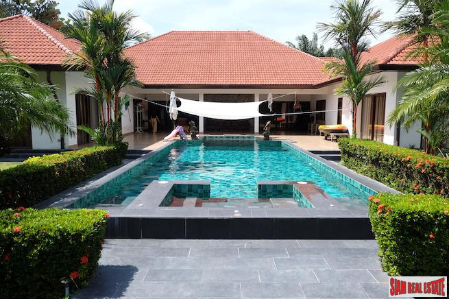 Four Bedroom Single Storey Pool Villa with Large Private Swimming Pool in Rawai