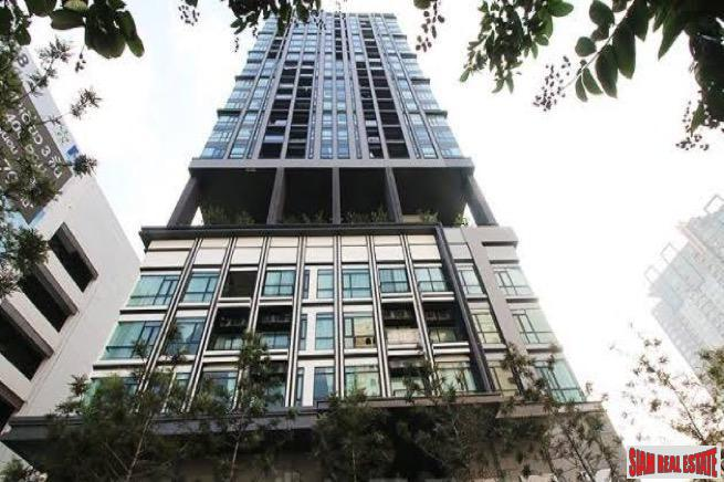 Extra Large Two Bedroom Corner Condo with City Views in Thong Lo