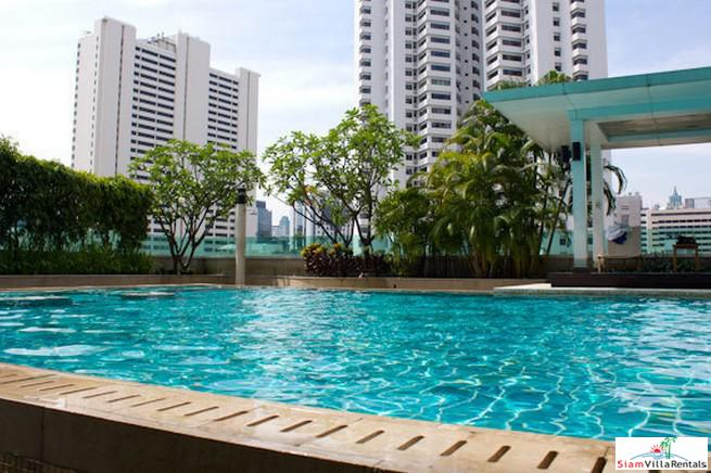 Large & Convenient One Bedroom Condo Near Many Conveniences of Nana, Bangkok