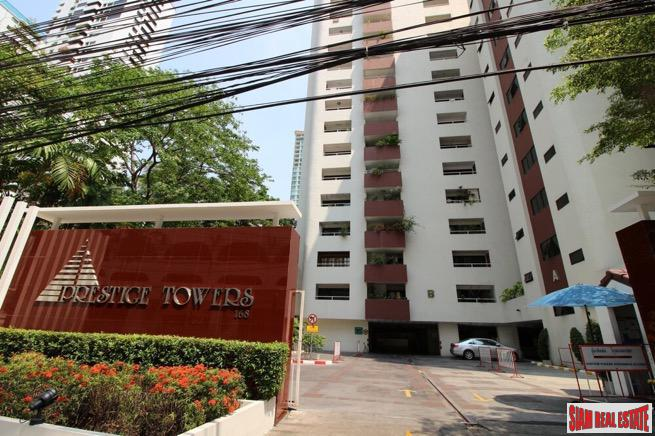 Prestige Towers | Spacious Three Bedroom Close to Transportation and Shopping in Sukhumvit