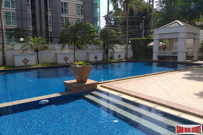 Light & Bright Two Bedroom Condo with Excellent Facilities in Ekkamai
